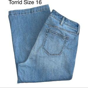 Torrid Crop High Rise Wide Leg Jeans Size 16